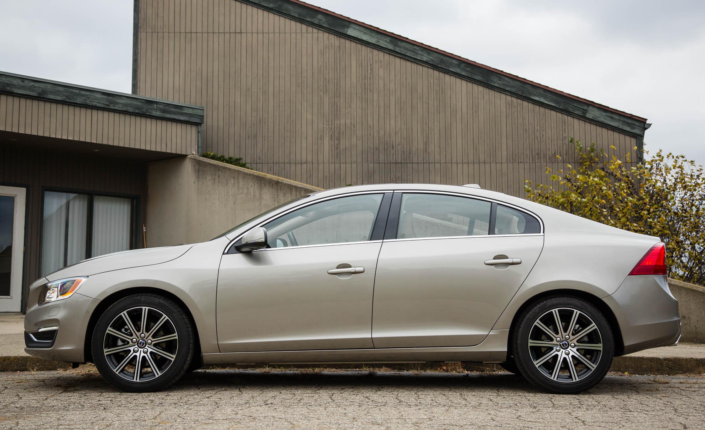 Elegant 2016 Volvo S60 Inscription Review 8922  Cars Performance