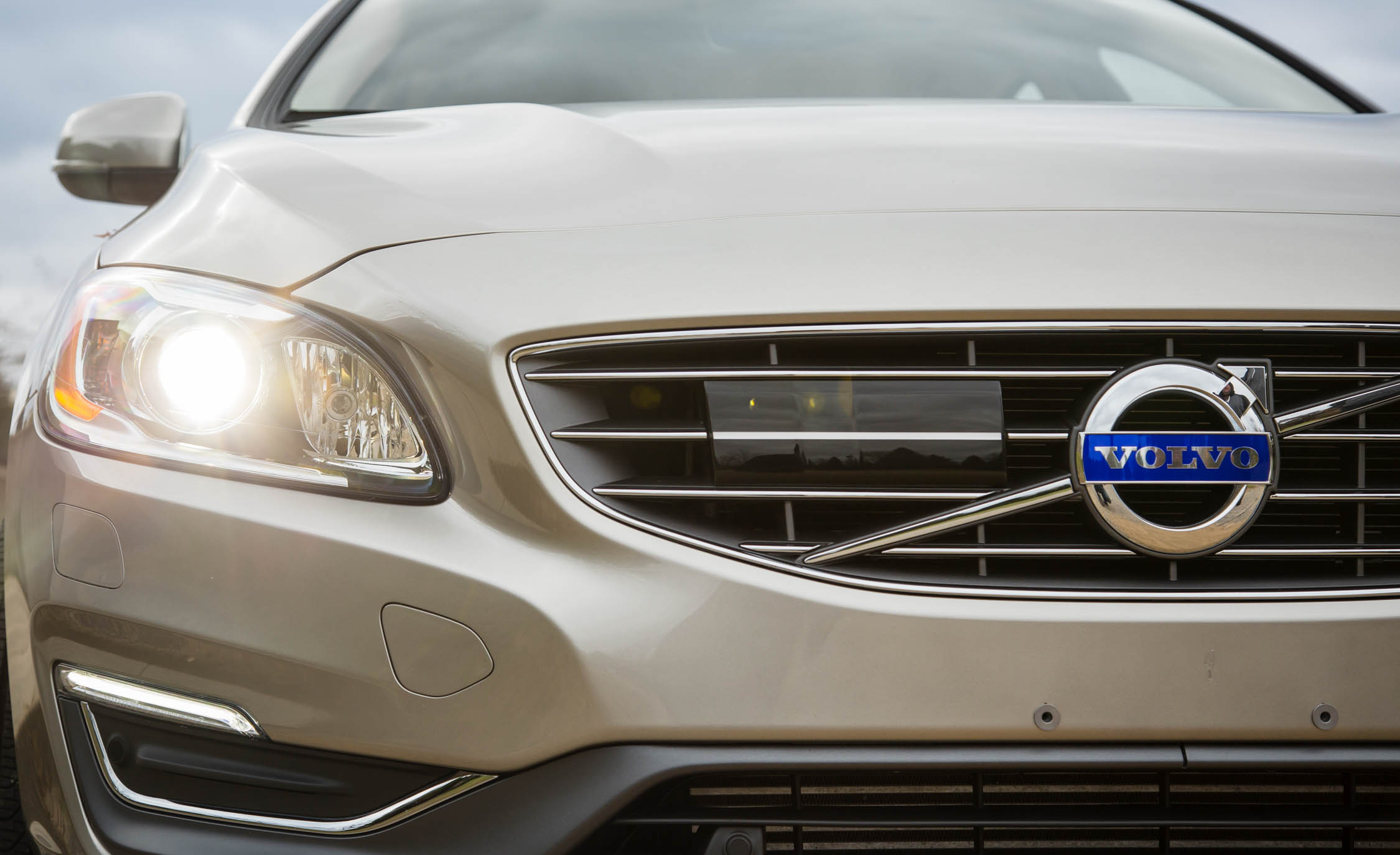 2016 Volvo S60 T5 Inscription Exterior Grille