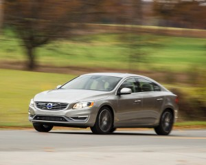 2016 Volvo S60 T5 Inscription Test Front Side View