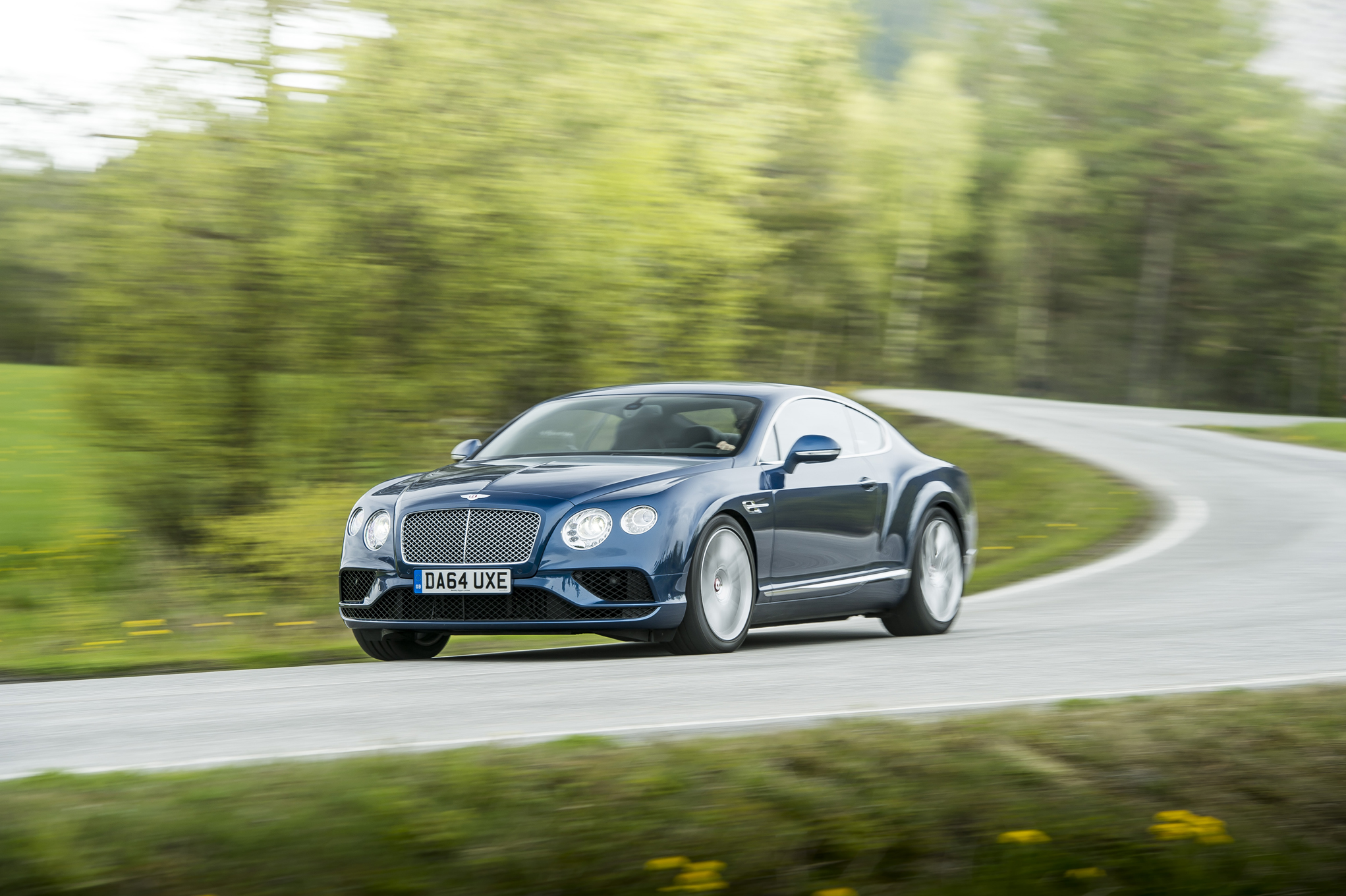 test drive bentley continental gt v8 coupe 2016 8193 cars performance reviews and test drive. Black Bedroom Furniture Sets. Home Design Ideas