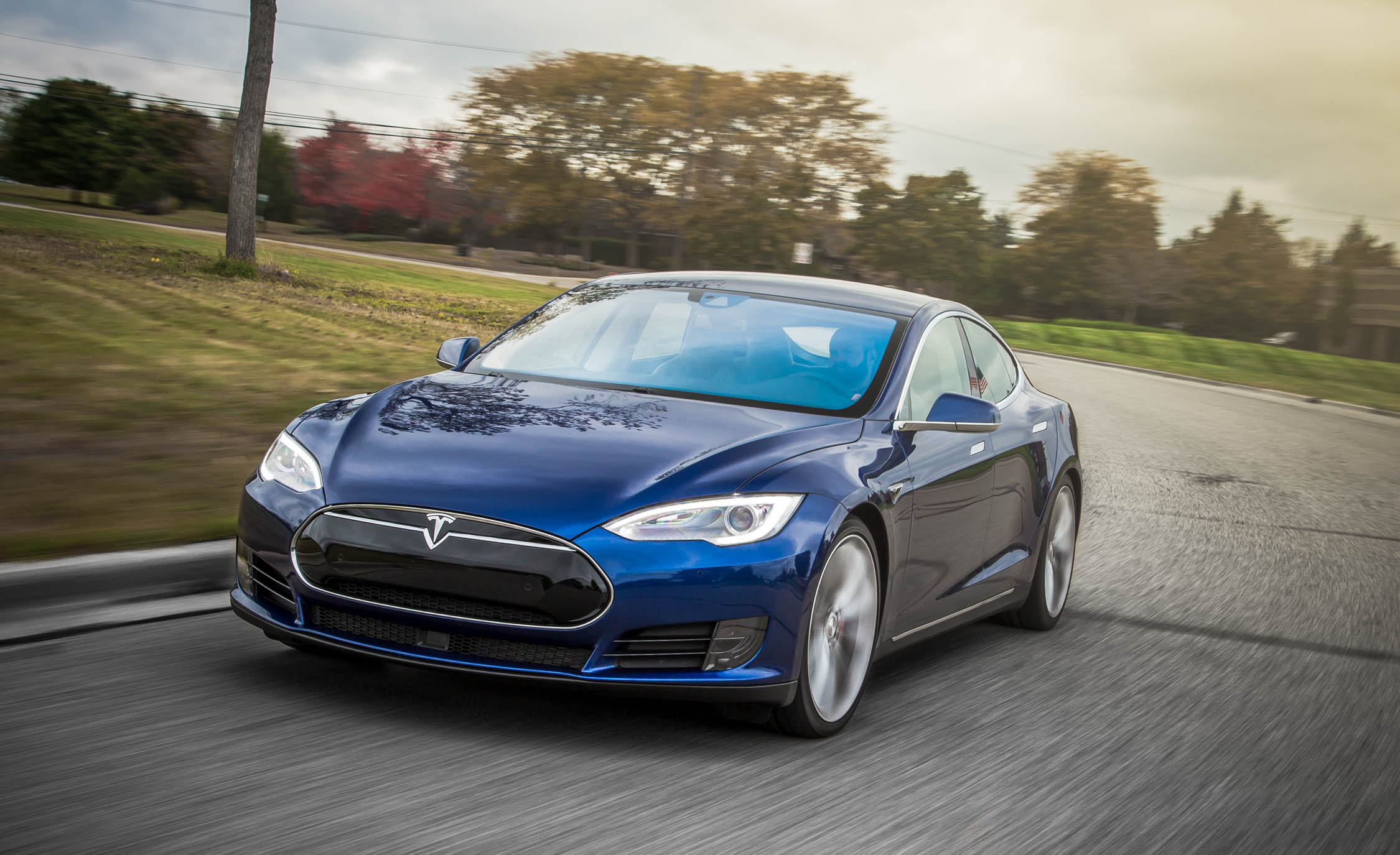 2015 Tesla Model S P90D Full Front and Side
