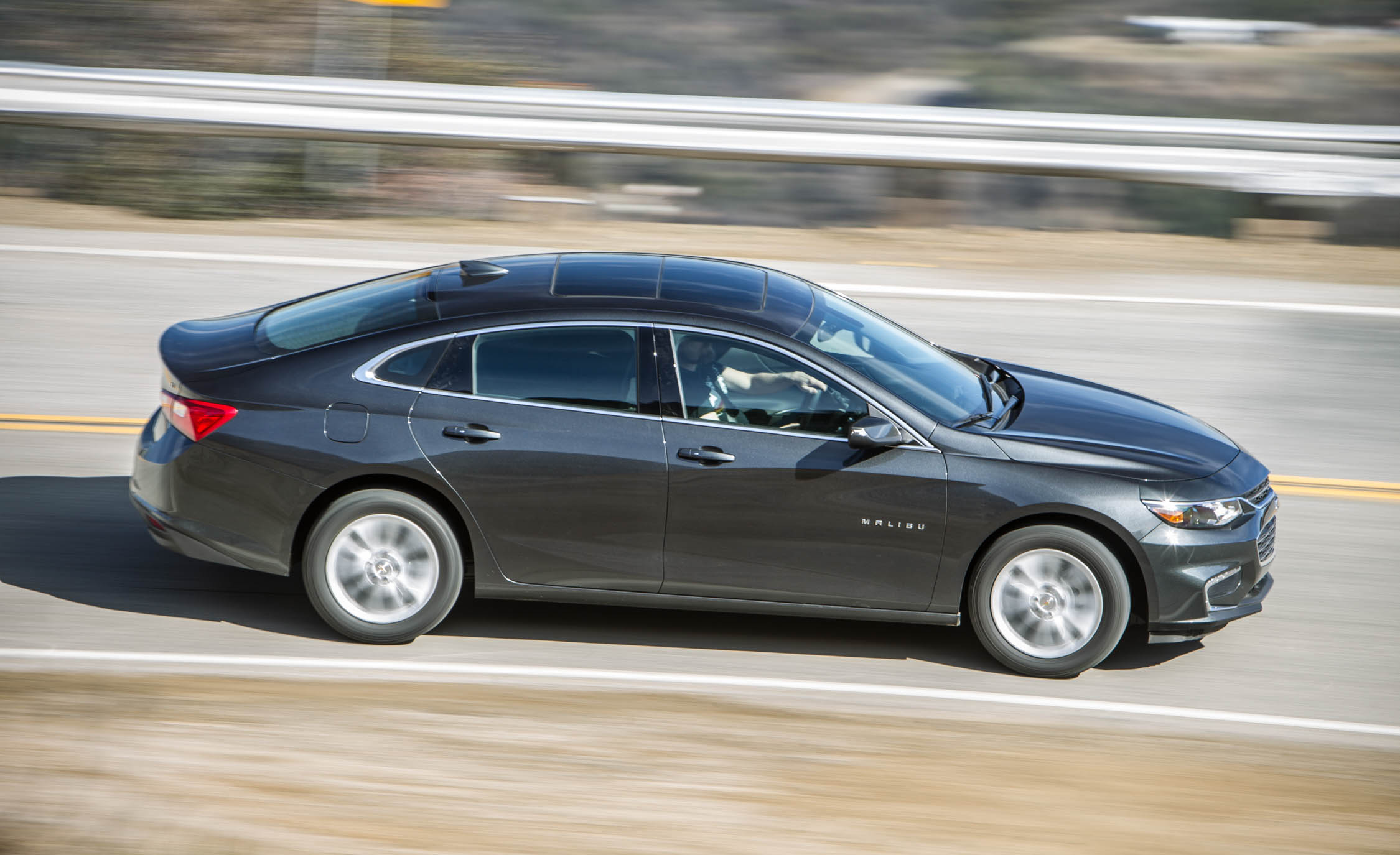2016 Chevrolet Malibu LT Test Side View