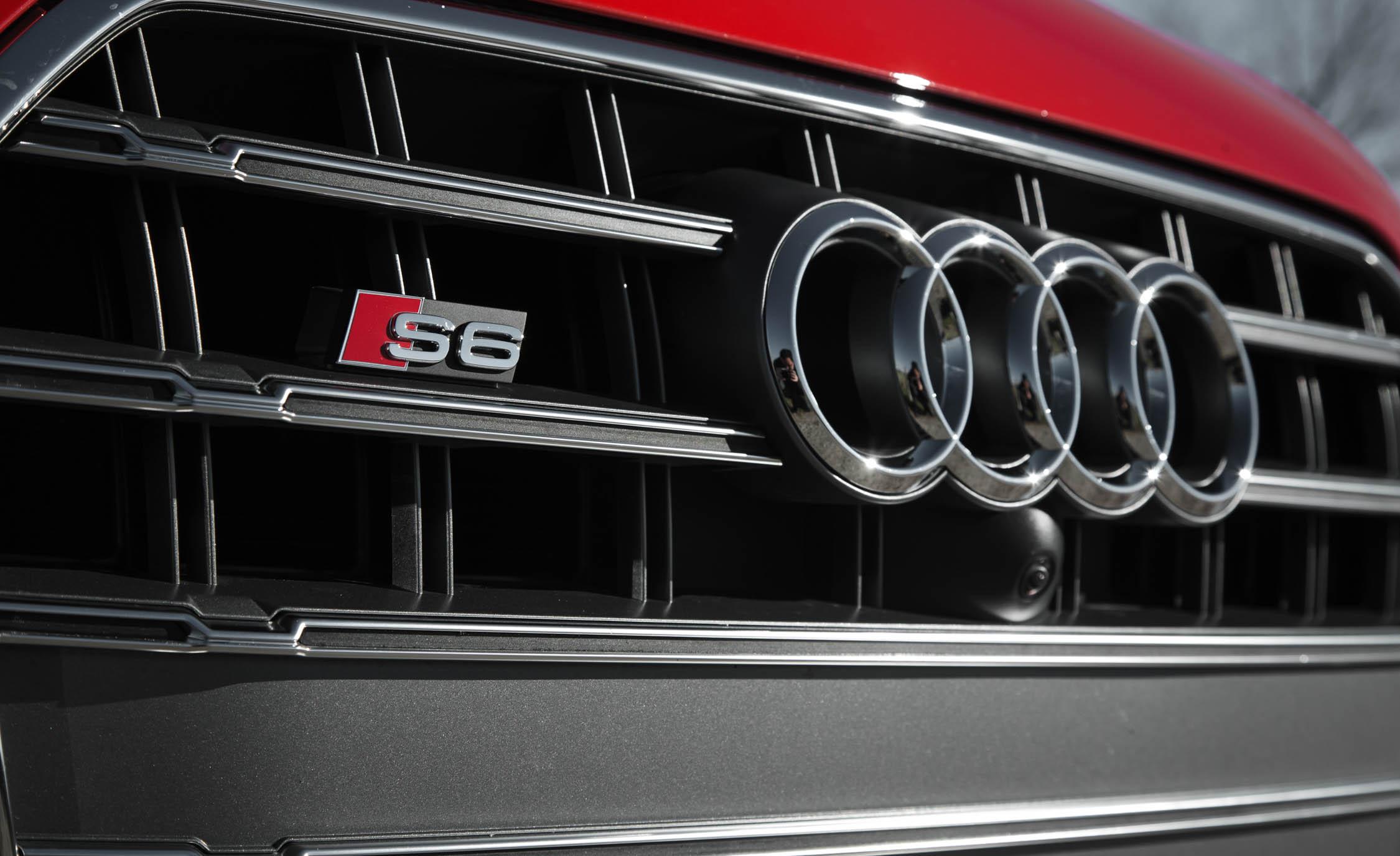 2016 Audi S6 Exterior Badge Front