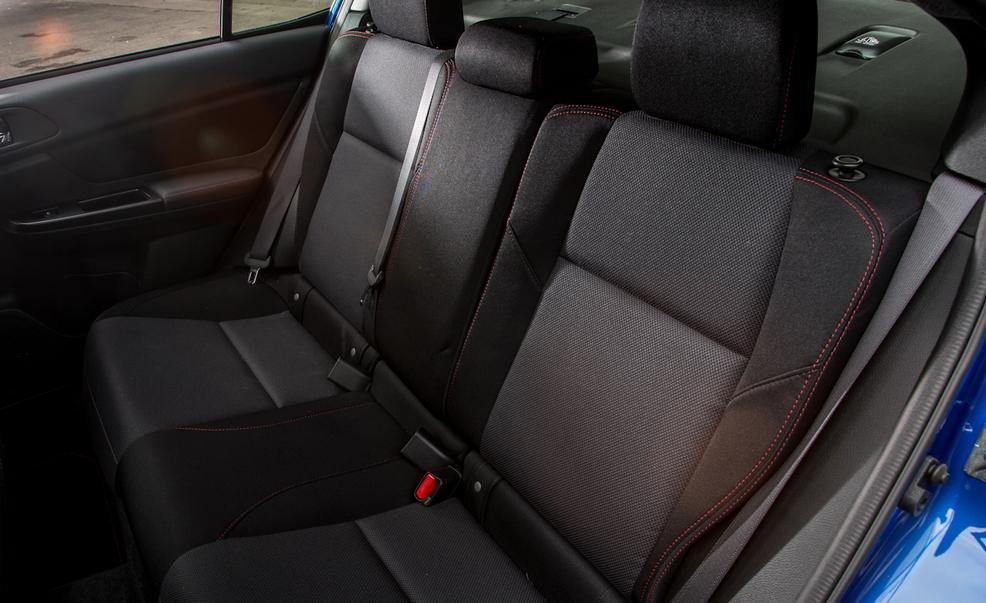 2017-subaru-wrx-seats