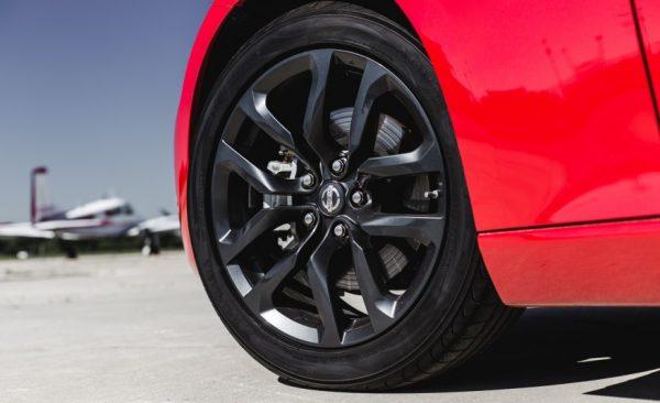 2017 Nissan 370Z wheels