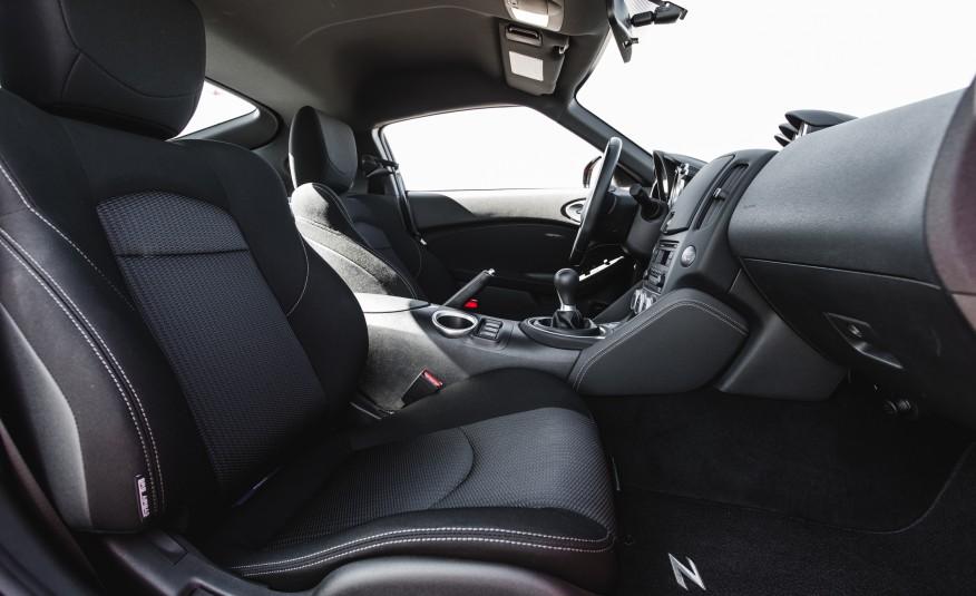 2017 Nissan 370Z Seats View