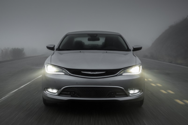 2017 Chrysler 200 front
