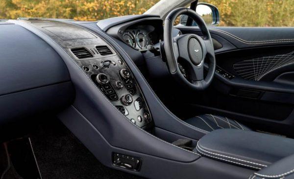 2017 Aston Martin Vanquish S steering wheel