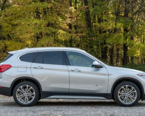 2017 BMW X1 Side View
