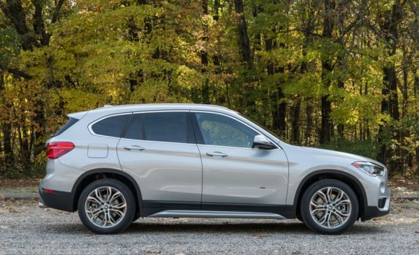 2017 BMW X1 side review