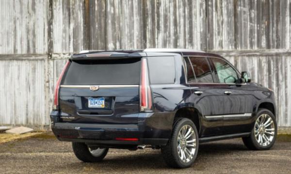 2017 Cadillac Escalade rear review