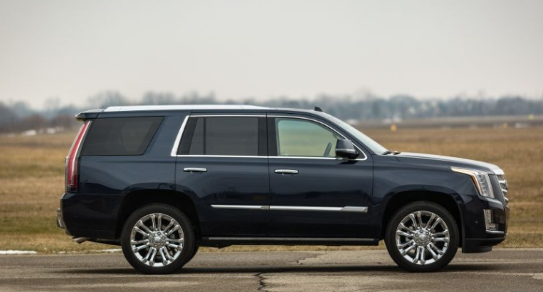 2017 Cadillac Escalade Side View