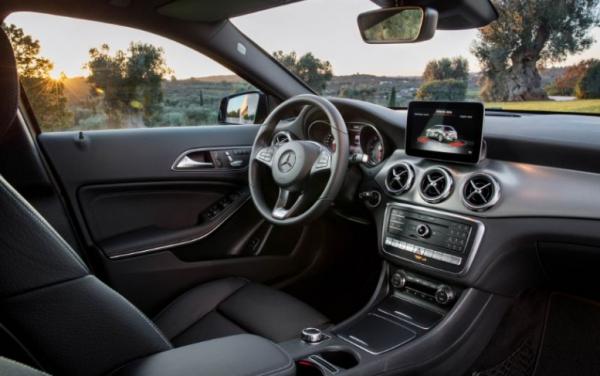 2018 Mercedes Benz GLA Class seats