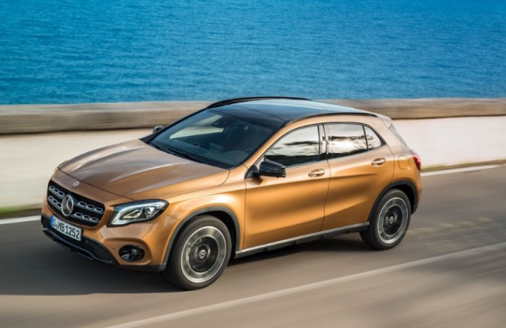 2018 Mercedes Benz GLA Class Side View
