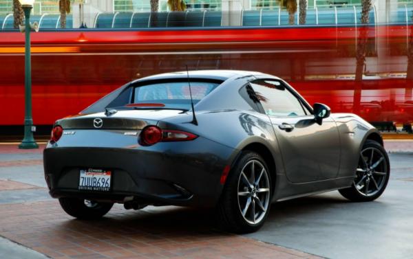 2017 Mazda MX-5 Miata rear exterior review