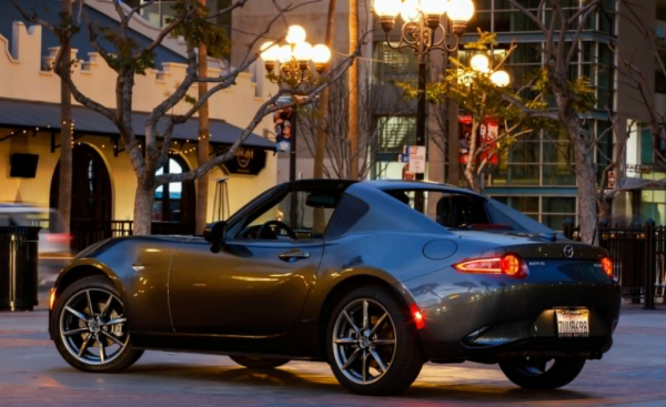 2017 Mazda MX-5 Miata side review exterior