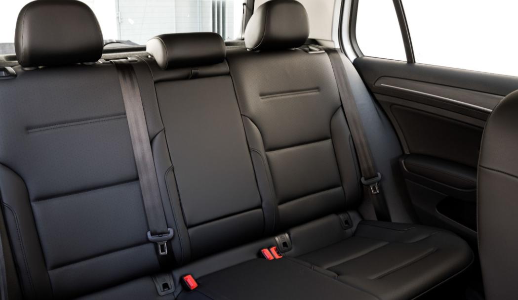 2017 Volkswagen e-Golf Interior Seats View