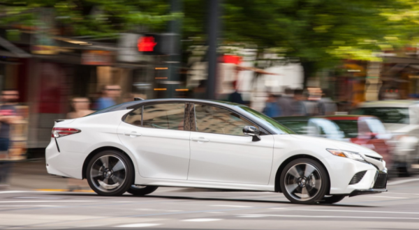 2018 Toyota Camry side review