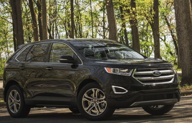 2017 Ford Edge Exterior Side View