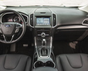 2017 Ford Edge Interior Dashboard View