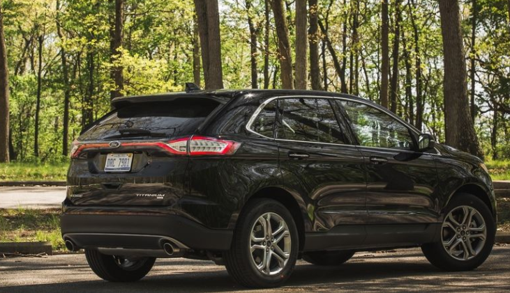 2017 Ford Edge Rear Side View