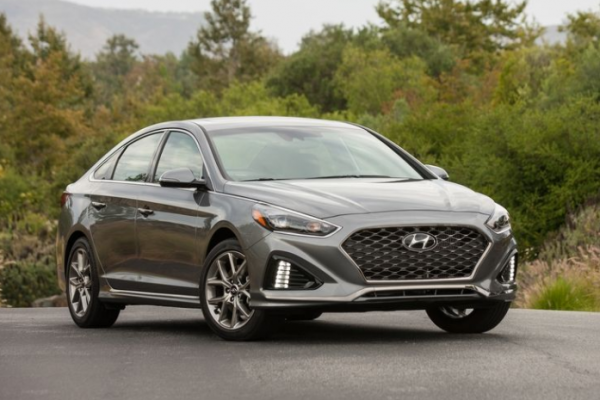 2018 Hyundai Sonata front review