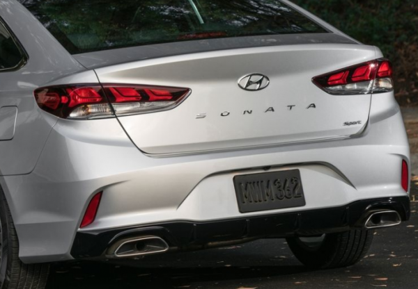 2018 Hyundai Sonata rear review