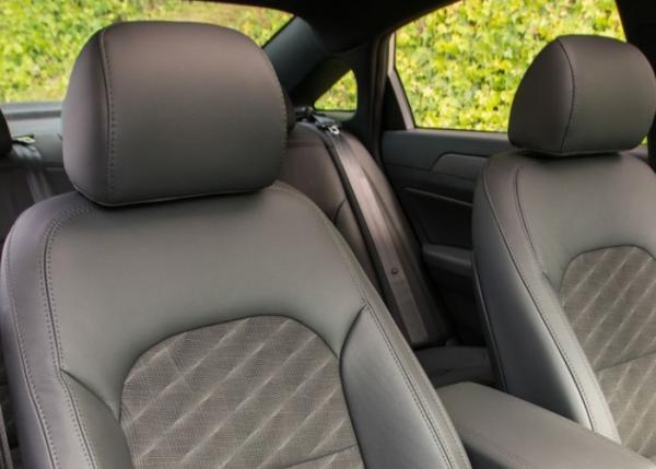 2018 Hyundai Sonata interior seat review