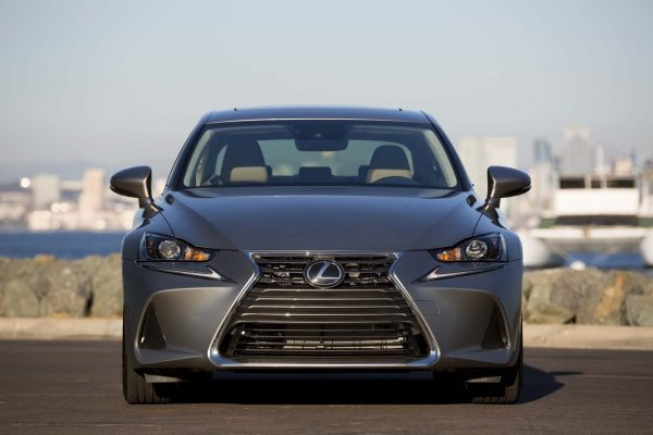 2017 Lexus IS front grille review