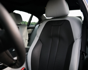 2018 BMW Alpina B5 Biturbo Seats View