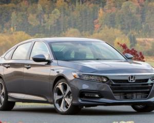 2018 Honda Accord front review