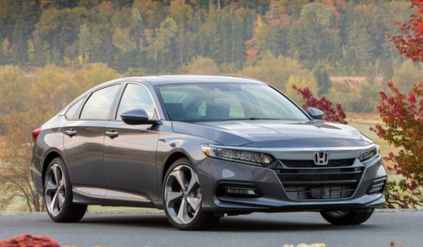 2018 Honda Accord front review