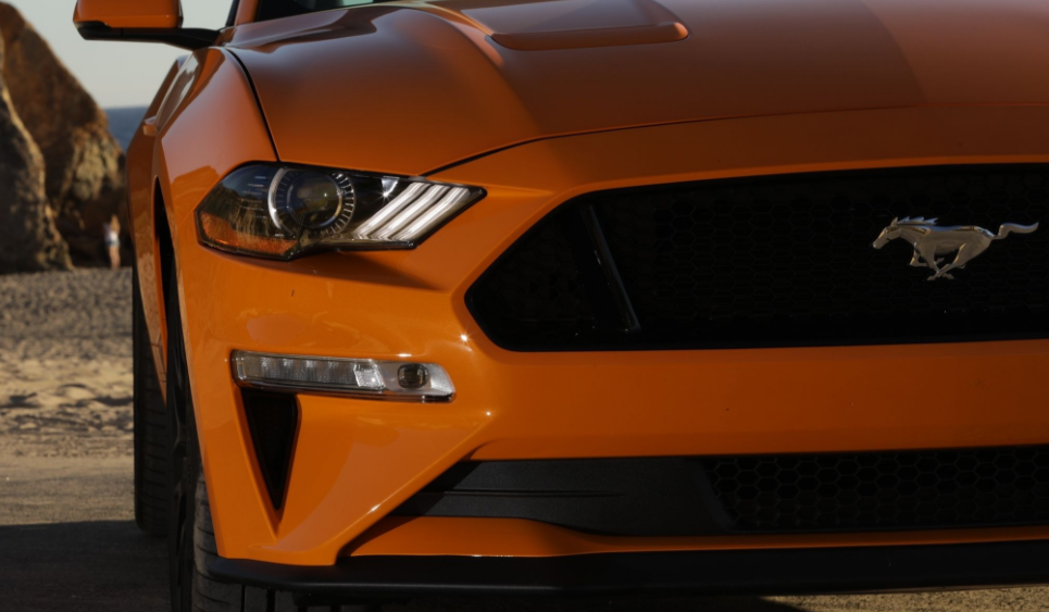 2018 Ford Mustang Grille View