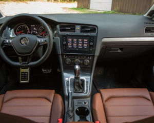 2018 Volkswagen Golf Alltrack Steering Dashboard View