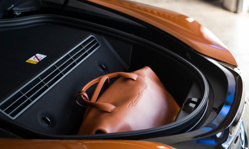 2019 BMW i8 cargo review