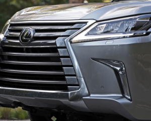 2018 Lexus LX570 grille review