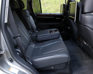 2018 Lexus LX570 rear seat review