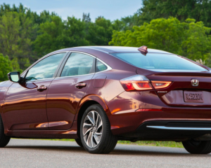 2019 Honda Insight rear review