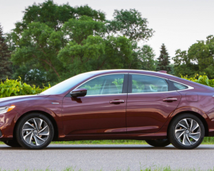 2019 Honda Insight side review