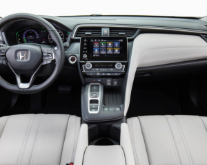 2019 Honda Insight dashboard review