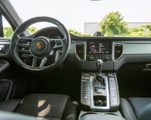 2018 Porsche Macan Turbo steering dashboard review
