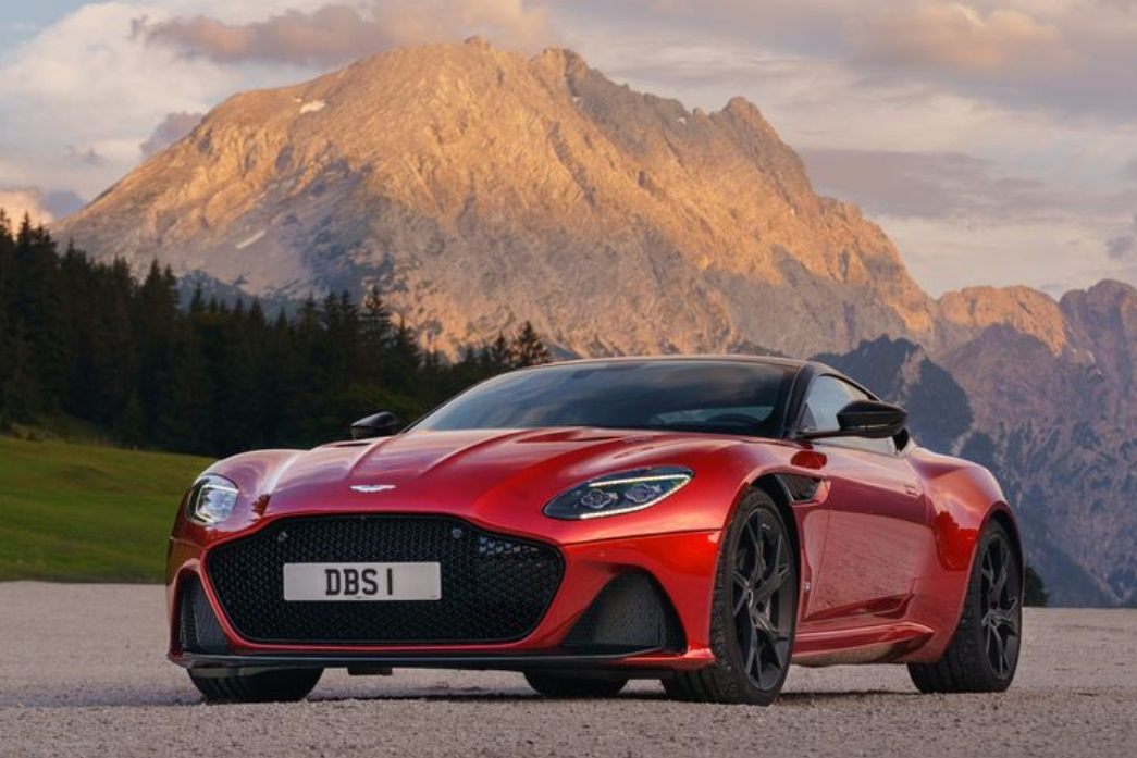 2019 Aston Martin DBS review